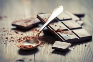 dark chocolate on table - prevent cavities